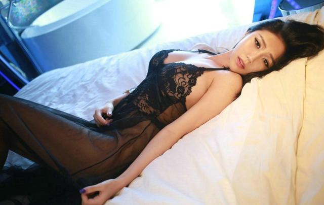 于大小姐床上性感情趣写真图2