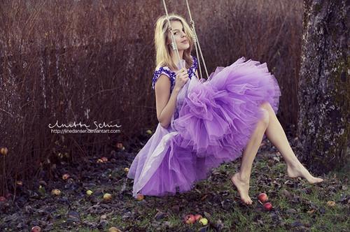 穿裙子的女生唯美图片2