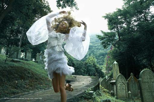 穿裙子的女生唯美图片