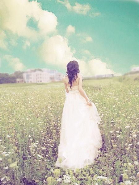 穿裙子的女生唯美图片5