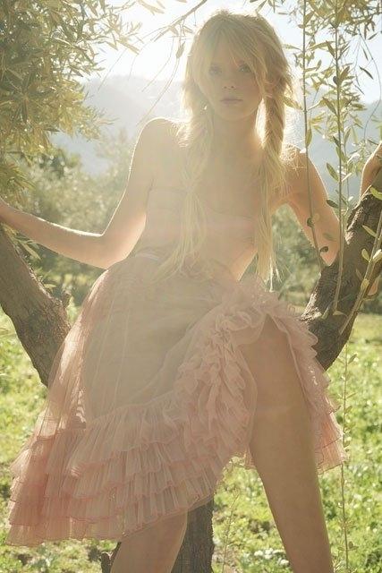 穿裙子的女生唯美图片6