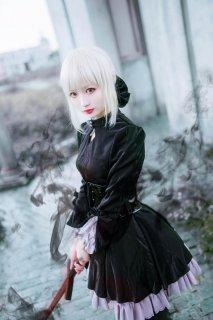 白皙cosplay美女亚瑟王高清图片